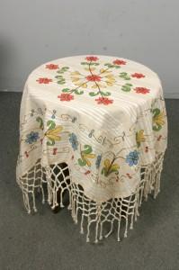 100x100 el boyama kozalı masa örtüsü